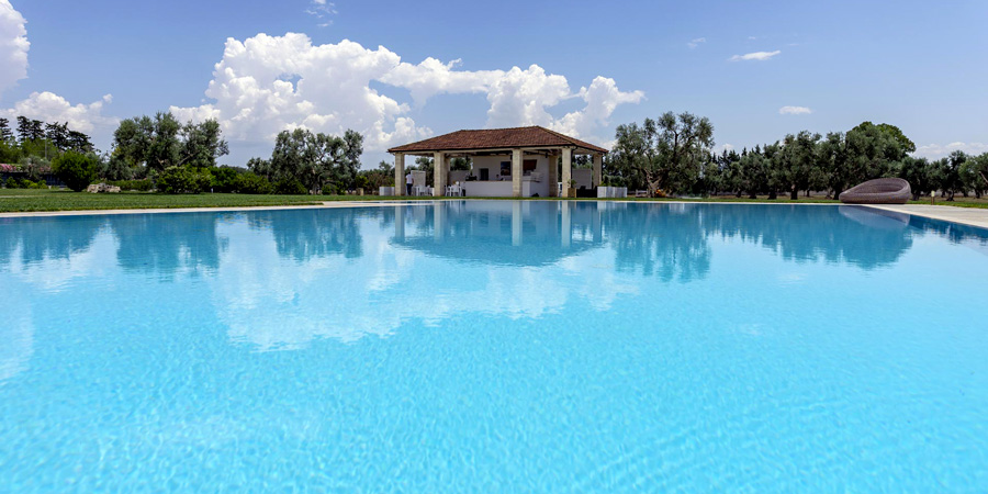 2_21_piscina-in-masseria-salento-main.jpg